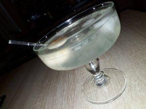 lychee martini, lychee martini recipe, how to make a lychee martini, how to make lychee martini, lychee martini cocktail, lychee martinis